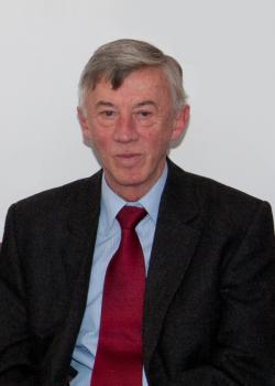 prof. dr hab. Zdzisław Latajka