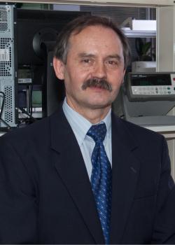prof. dr hab. Ryszard Jakubas